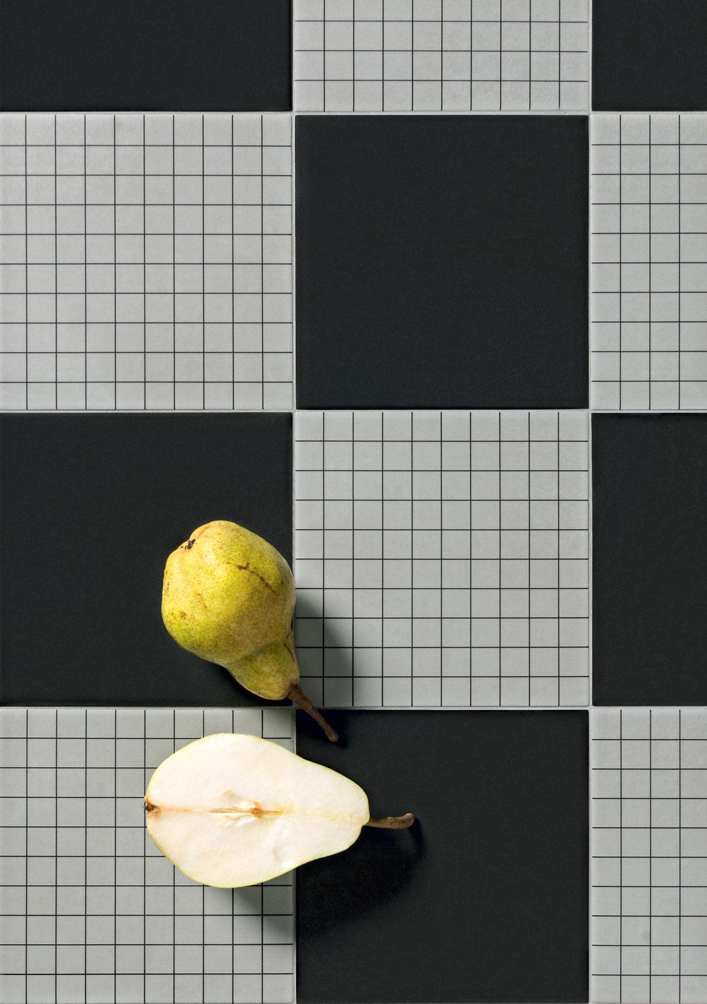 """Futura Black - Futura Grid Black 15x15 6""""x6"""""""