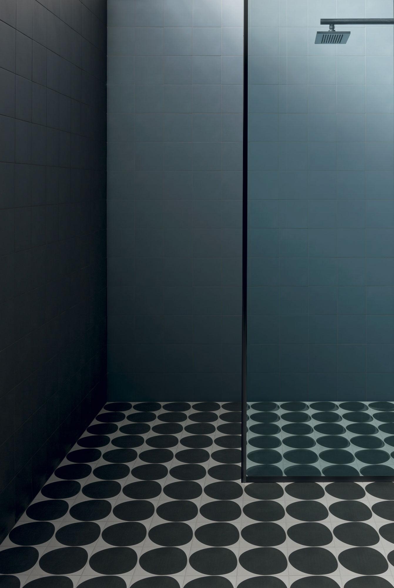 """Wall Futura Black / Futura Blue - Floor Futura Drop Black 15x15 6""""x6"""""""