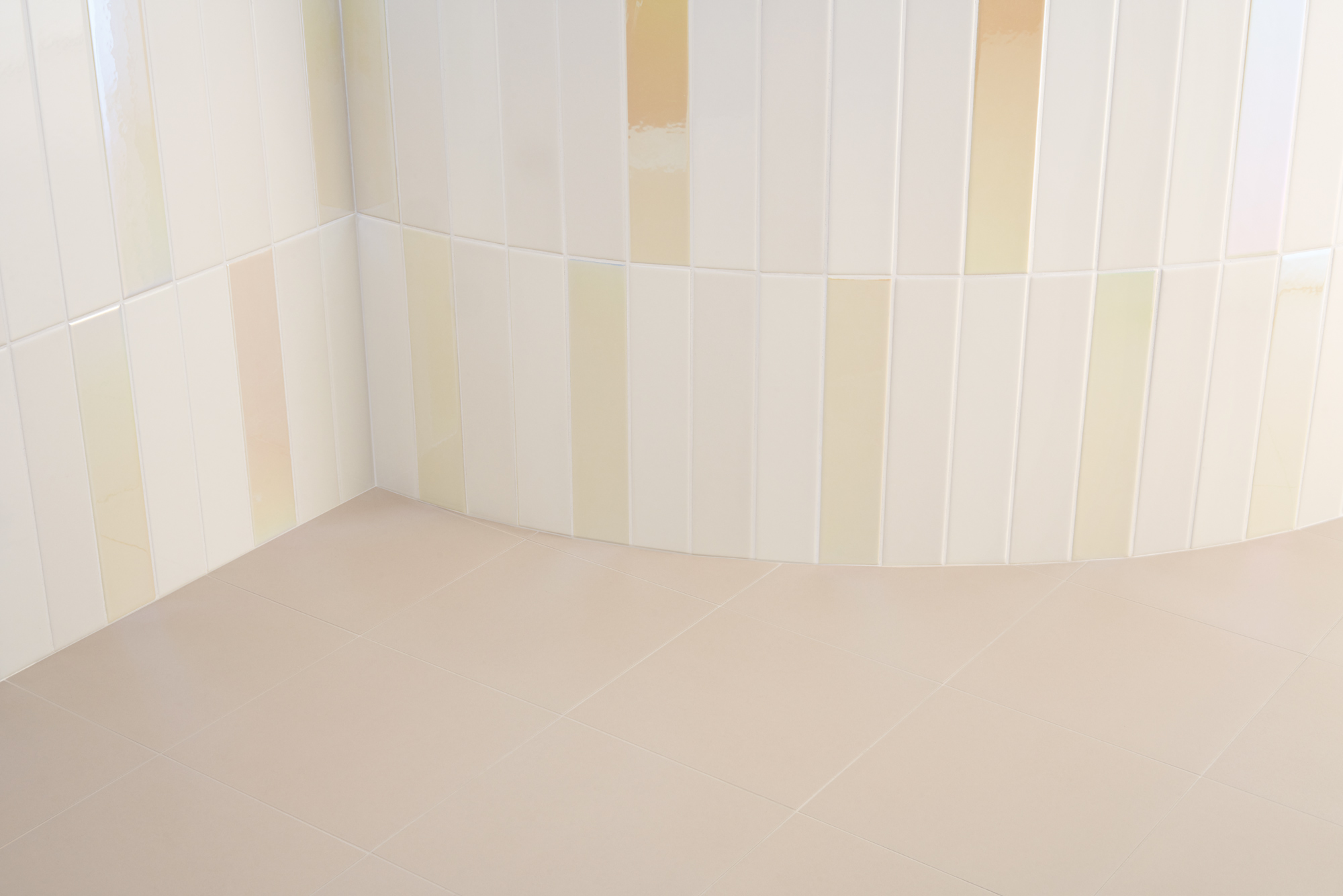"Wall Spectre Cream Hologram 5x25 2""x10""  - Floor Sunday Sabbia 20x20 8""x8"""