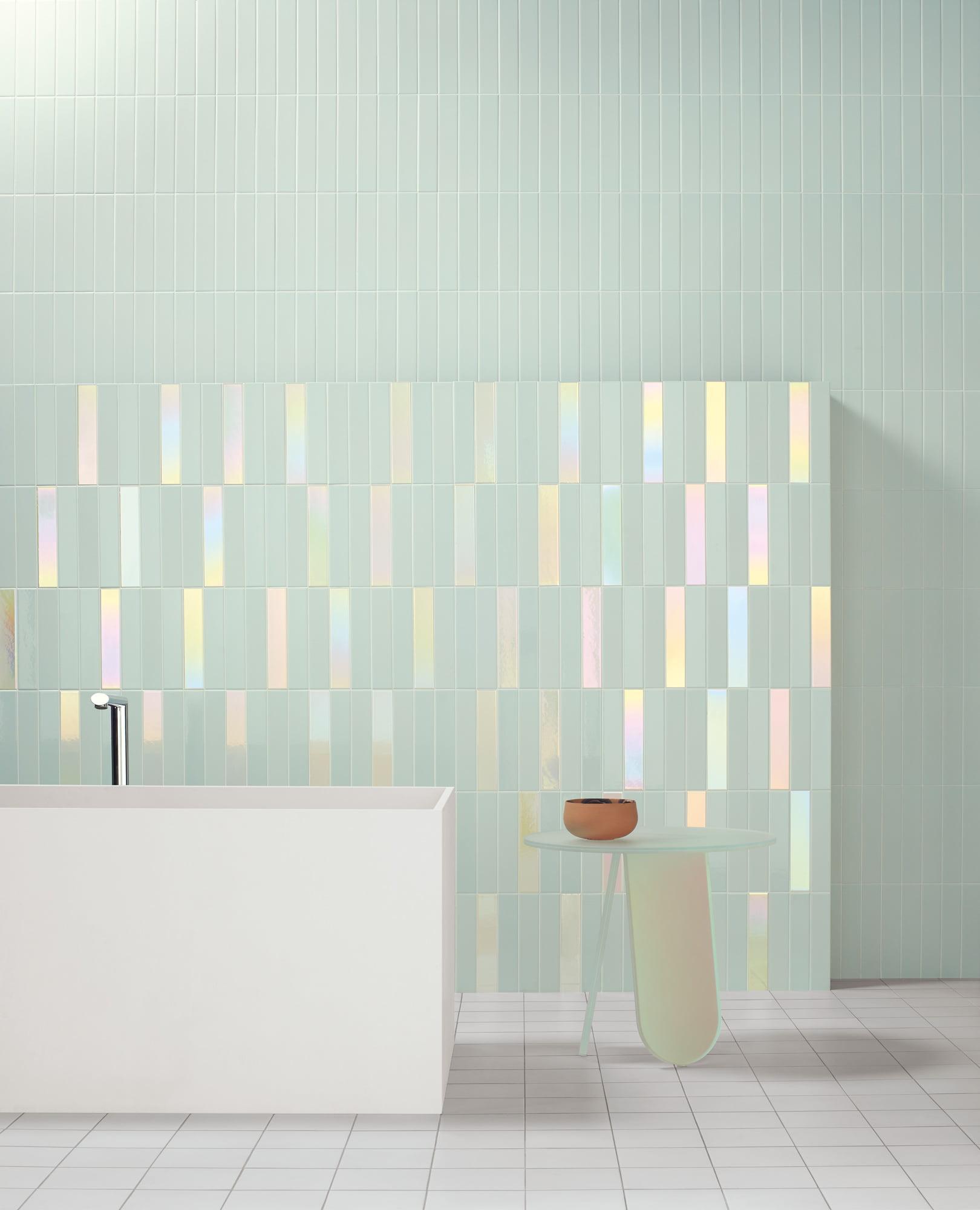 "Wall Spectre Sky Matte 5x25 2""x10""  / Spectre Sky Hologram 5x25 2""x10""  - Floor Futura White 15x15 6""x6"""