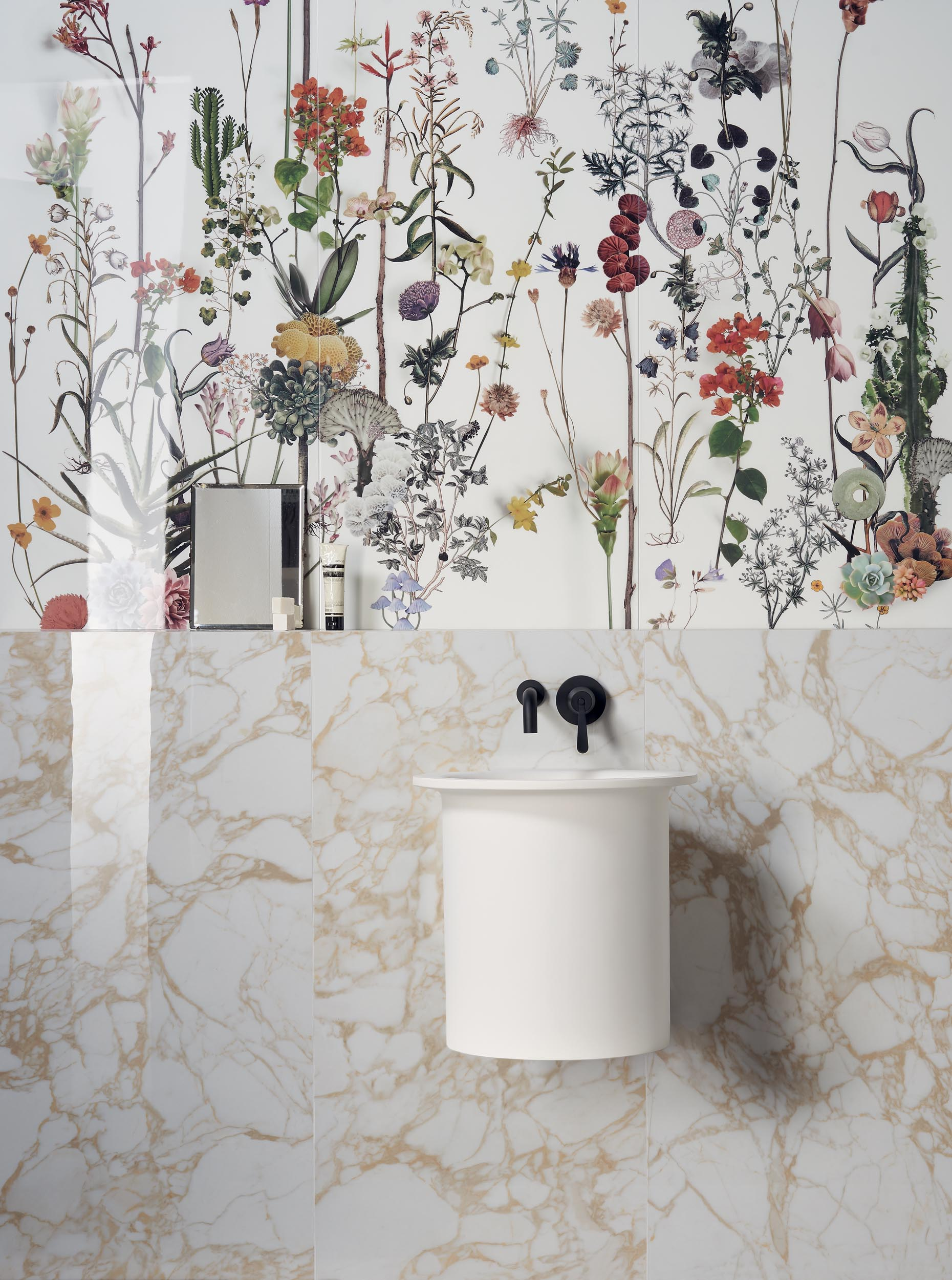 """Wall Paper41 Lux Franz 60x120 24""""x48"""" / Pulp Gold Double Polished 60x120 24""""x48"""""""
